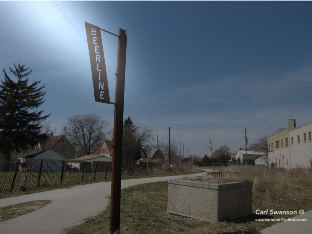 Beer Line Trail, Milwaukee Riverwest neighborhood. Carl Swanson photo