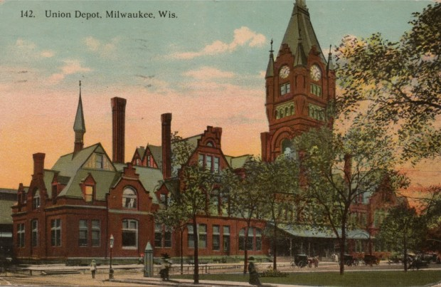 The downtown Milwaukee depot built by hometown railroad The Milwaukee Road stood at the south end of Zeidler Union Square Park. Today the site is occupied by a WE Energies office building. Collection of Carl Swanson