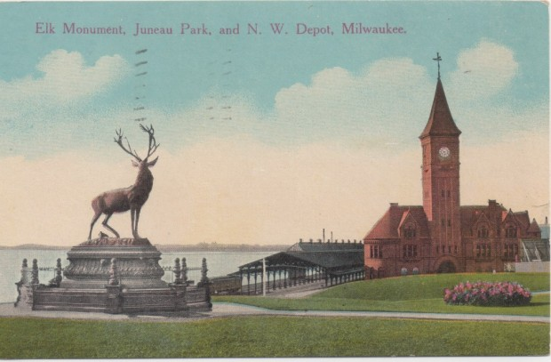 The Elk Monument at Juneau Park overlooked the Chicago & North Western Ry. station. Collection of Carl Swanson