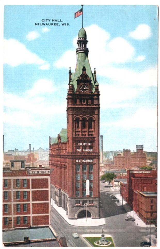 Milwaukee City Hall postcard