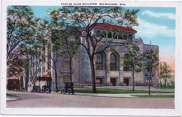 The largest Eagles Club building in the United States at the time of its construction in the mid-1920s, the building originally included a ballroom, gymnasium, bowling alleys, and a swimming pool. Collection of Carl Swanson