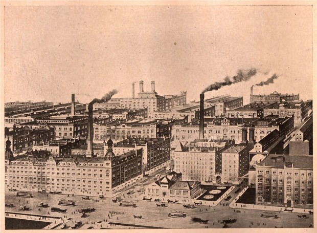 This engraving was made when the Milwaukee plant was at its height. It was an immense brewery, employing an army of workers, and shipping its products worldwide. Carl Swanson collection