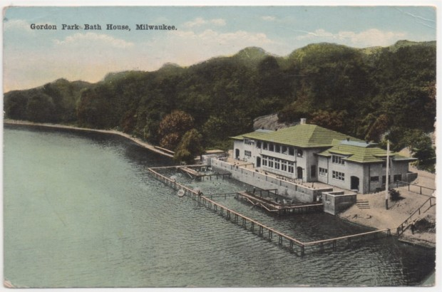The bathhouse at Gordon Park, as it appeared shortly after its completion. The concrete riverbank retaining wall and the curving road (visible above the building) are all that remain. Postcard collection of Carl Swanson