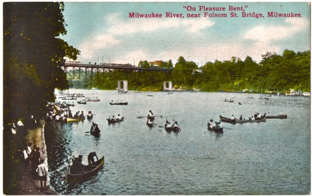 Canoes crowd the Milwaukee River at Gordon Park