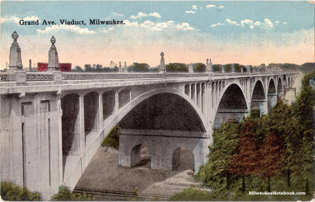 Vintage postcard view of Milwaukee's original Grand Avenue viaduct
